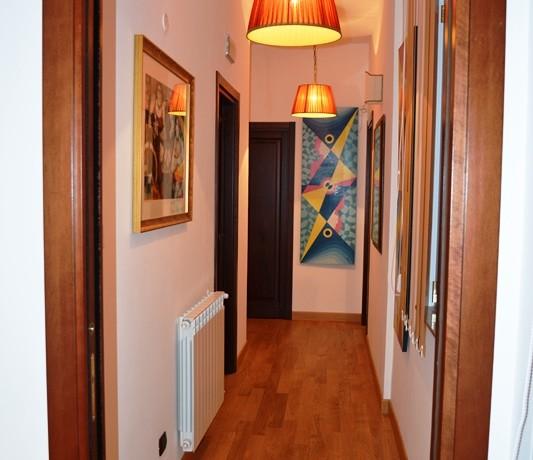 Studi-professionali-arredati-a-Noto-corridoio