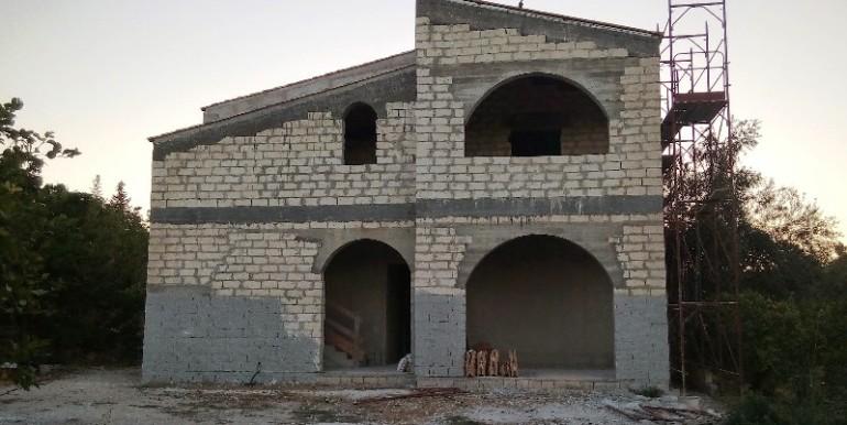 Villa-da completare-a-Noto