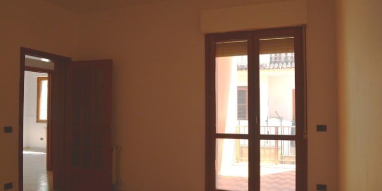 Appartamento-a-Noto-con-giardino-privato-cucina
