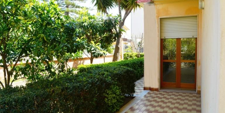 Appartamento-a-Noto-con-giardino-privato-esterno