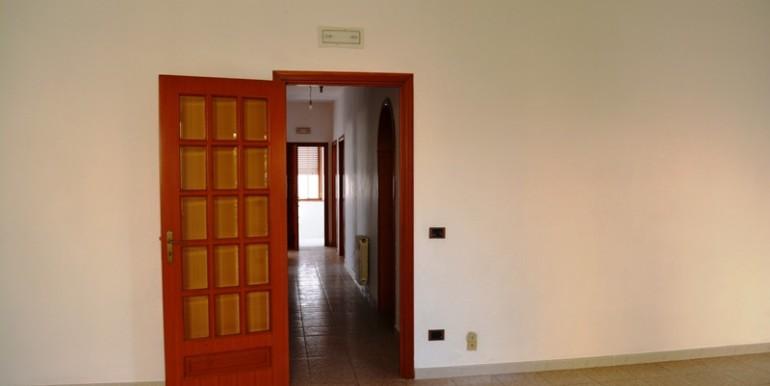 Appartamento-a-Noto-con-giardno-privato-soggiorno