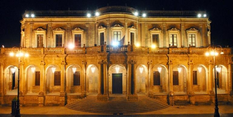 Casa-in-centro-storico-a-Noto-Municipio