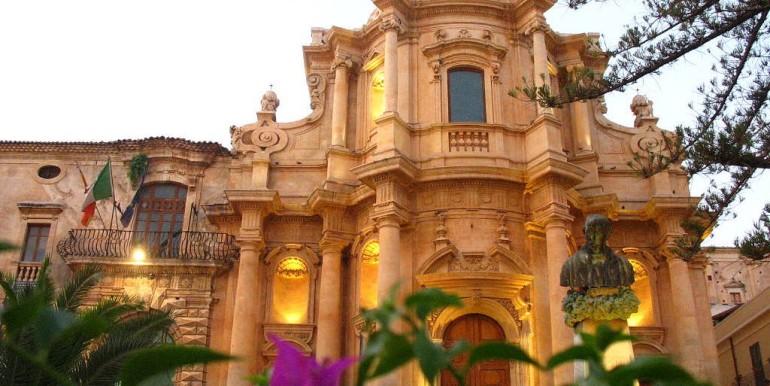 Casa-in-centro-storico-a-Noto-San-Domenico