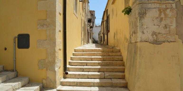 casa-a-Noto-all'ombra-della-Cattedrale-vicolo