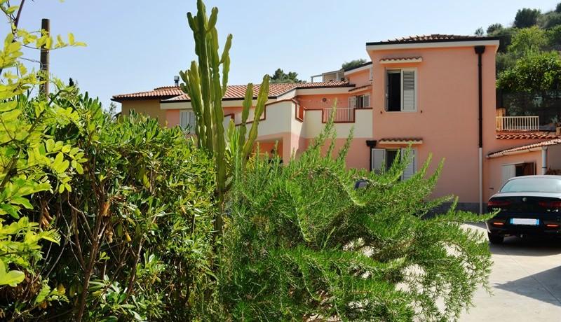 Villa-in-c.da-Serravento-a Noto-3