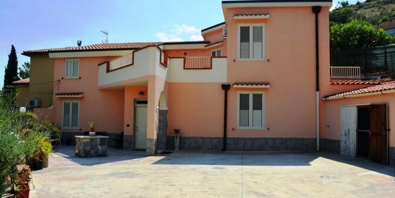 Villa-in-c.da-Serravento-a-Noto-9