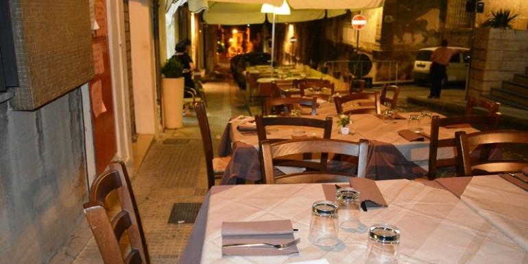 Pizzeria-Bar-in-vendita-a-Noto-esterno-2