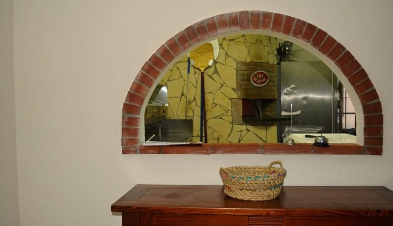 Pizzeria-Bar-in-vendita-a-Noto-forno