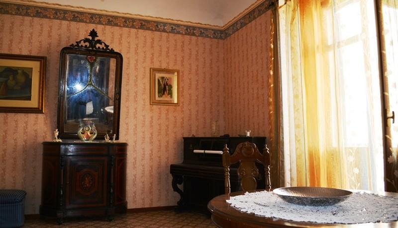 Prestigioso appartamento in locazione a Noto 1