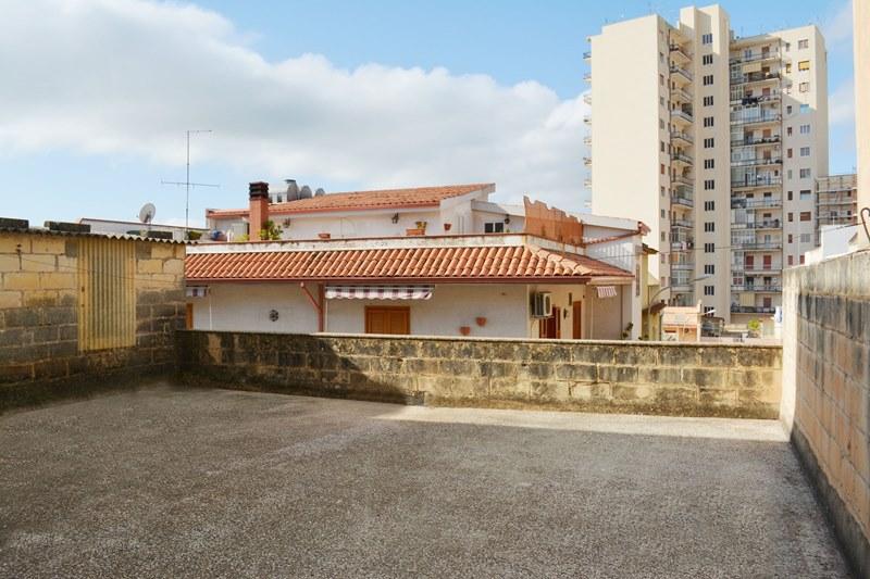 Casa con terrazza in vendita a Noto