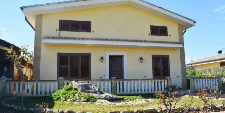 Villetta in vendita a Lenzavacche prospetto